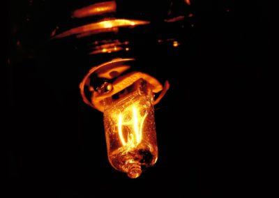 bulb-1132715_1920